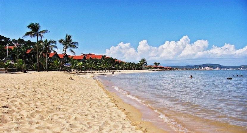 Bãi biển Hạ Long